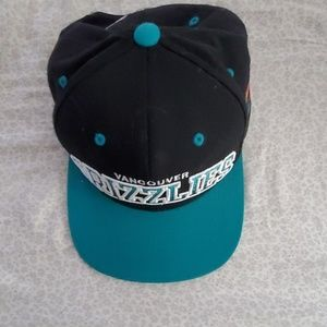 Mitchell and Ness Vancouver Grizzlies Snapback Hat